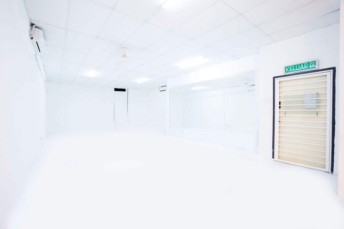 WS-studio-white-studio-web-slider-C180-2